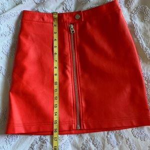 RED FAUX LEATHER MINI SKIRT 🌹